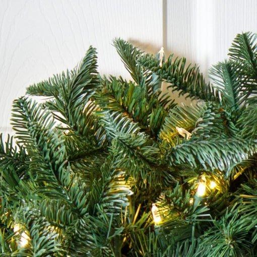 Natural Pre-Lit Wreath